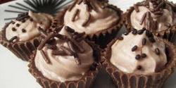 Punjene čokoladne korpice